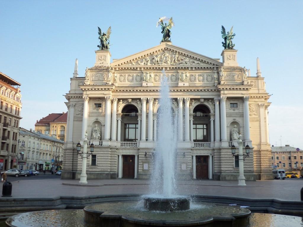 Opernyiy-teatr
