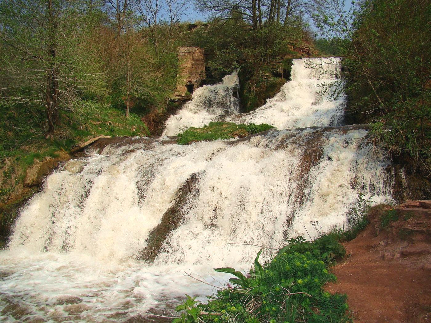 dzhurinskij-vodopad-2