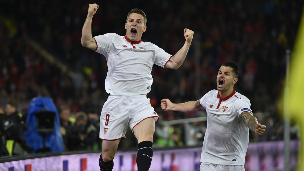 """Sevilla's French forward Kevin Gameiro celebrates after scoring a goal during the UEFA Europa League final football match between Liverpool FC and Sevilla FC at the St Jakob-Park stadium in Basel, on May 18, 2016.  AFP PHOTO / MICHAEL BUHOLZER / AFP / MICHAEL BUHOLZER        (Photo credit should read MICHAEL BUHOLZER/AFP/Getty Images)"""