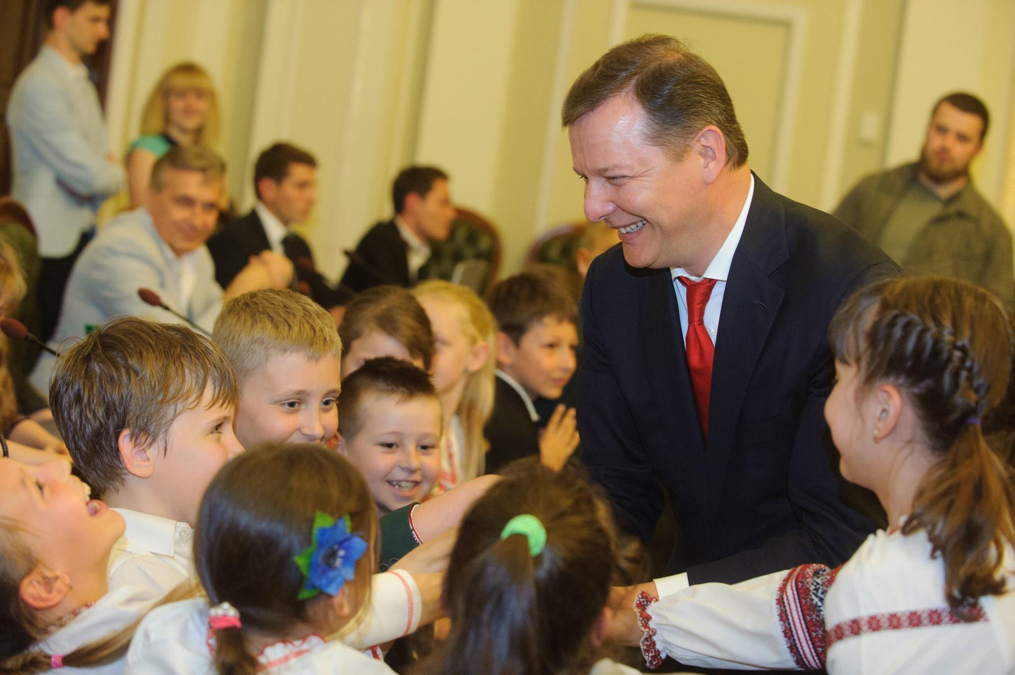 С детьми пообщались депутаты Олег Ляшко, Денис Силантьев, Алексей Кириченко и Андрей Лозовой
